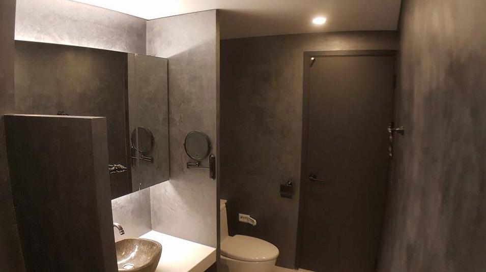 Pavimenti e pareti in cemento e resina wall2floor - Pavimenti bagno in resina ...